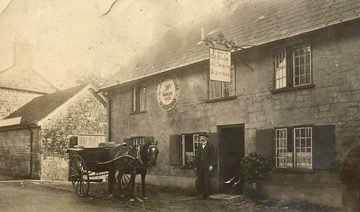 Ye Olde Two Brewers circa 1900