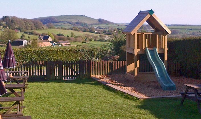 Ye Olde Two Brewers, Shaftesbury beer garden with play area and stunning views ove the Blackmore Vale